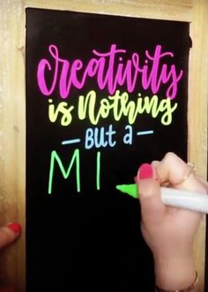 Creativity is nothing but a mind set free. Create anything you can imagine with chalk markers. A blank black chalkboard is the only canvas you need. Chalkboard Writing, Chalkboard Markers, Chalkboard Lettering, Chalkboard Designs, Chalk Markers, Black Chalkboard, Copic Markers, Calligraphy Drawing, Learn Calligraphy