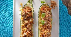 Jauhelihatäytteiset kesäkurpitsat ovat alkusyksyn herkkuruokaa. Nämä kesäkurpitsat täytetään jauhelihalla ja kuorrutetaan juustolla. Suosittelemme!