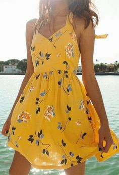 Tendenze moda estate 2019 idee di tendenza is part of Flirty dresses - UO Pippa Halter Mini Dress Urban Outfitters Image source Cute Dresses, Casual Dresses, Short Dresses, Floral Dresses, Dress Long, Cute Summer Dresses, Casual Bags, Winter Dresses, Elegant Dresses