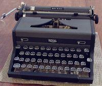 Royal typewriter in 1940s