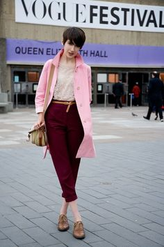 Here is Izzy Bucklow featuring on Vogue street style with a Chapman Bag Beautiful Color Combinations, Mode Chic, Going Out Outfits, Classy Casual, Street Chic, Festival Fashion, Street Style Women, Business Women, Beautiful Outfits