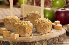 Caramel Apple #Cupcakes #Recipe. Don't they look amazing?