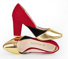 Scarpin Geométrico! Exclusivo para mulheres elegantes. ♥ #golden #red #love #shoes