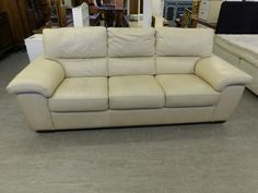 Three Seater Cream Leather Sofa Local Delivery Service Available --- Very Good Condition £125 (PC968)