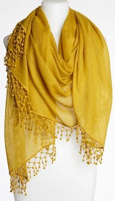 Lovely detailed cashmere scarf. http://rstyle.me/n/svidrbg7t7