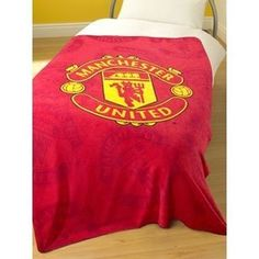 I REALLY want this for Emmett's room! Official Kids Manchester United Soccer/ Football Printed Fleece Blanket (51x71 inches) (Red) by Manchester United, http://www.amazon.com/dp/B004TR6G1M/ref=cm_sw_r_pi_dp_09z7qb1T6VDYB