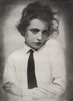 Weimar dancer and actress Elizabeth Bergner, 1922 Find your own inspiration at Minnesota Opera's own underground Kabarett