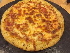 Hold the onion: Semolina Pizza Dough Semolina Pizza Dough, Order Pizza, How To Make Pizza, Happy Tuesday, Onion, Bread, Muffins, Recipes, Food