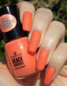 Green, Glaze & Glasses: Essence Sparkling Sand - Girls Just Wanna Have Fun (Beach Cruisers LE)