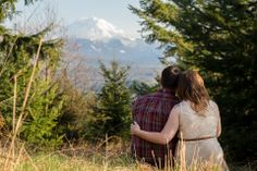 Hiking engagement photo session with Mt Rainier view.