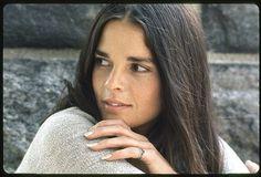1969 Ali MacGraw par Milton Greene - Girl Don't Come