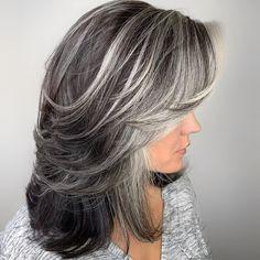 Hairstyles For Fat Faces, Mom Hairstyles, Scene Hairstyles, Grey Hair Care, Long Gray Hair, White Hair Highlights, Lilac Hair, Green Hair, Blue Hair