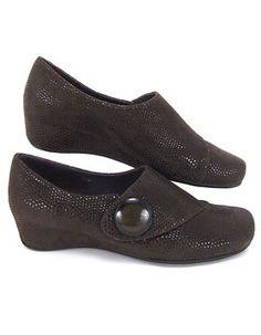 Vaneli Maxi Comfort Flat - Women's Shoes