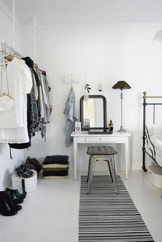 //Dressing table