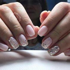 Nageldesign - Nail Art - Nagellack - Nail Polish - Nailart - Nails Nägel How to Make Hair Bows Artic Pale Pink Nails, Pink Sparkle Nails, Pink Manicure, Pink Sparkles, Glitter Accent Nails, Chunky Glitter Nails, White Glitter, Nude Nails With Glitter, Glitter Art