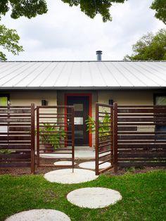 Austin Spaces Metal Poles Design, Pictures, Remodel, Decor and Ideas - page 20