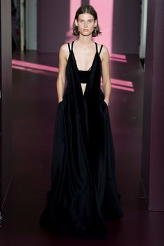 Sfilata Valentino Parigi - Alta Moda Autunno-Inverno 2017-18 - Vogue
