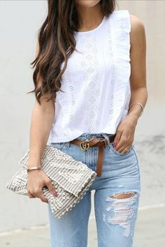 White eyelet lace top looks we love blusas, blusas estilosas Casual Dresses, Casual Outfits, Cute Outfits, Fashion Outfits, Fashion Trends, Fashion Blouses, Fashion Weeks, 70s Fashion, Short Outfits