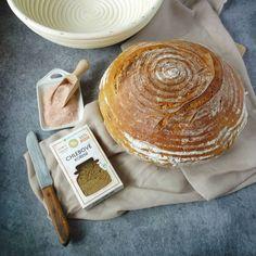 Máte chuť na domácí pečivo? A zajímalo by vás, jak upéct domácí chleba v klasické troubě opravdu jednoduše? Zkuste tento recept. Korn, Dairy, Bread, Cheese, Breads, Bakeries