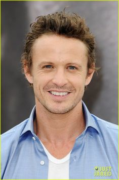 "David Lyons as Sebastian ""Bass"" Monroe in Revolution"