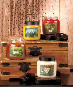 Designed to fill a room with fragrance, each handcrafted Goose Creek Jar Candle also features the folk art of David Harden on the label. The 16-oz. smokeless candle has a burn time of 70-90 hours. Angel Kiss has the scent of buttery vanilla bakery tr