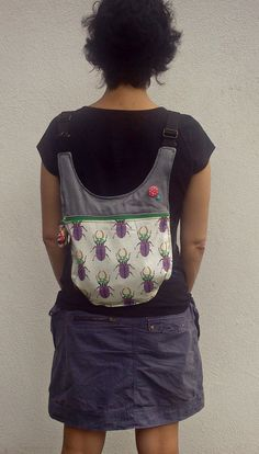 PANDIELLEANDO: RUMS 32: Sueño con escarabajos Easy Sewing Projects, Sewing Hacks, My Bags, Purses And Bags, Diy Backpack, Recycle Jeans, Fabric Bags, Little Bag, Clutch