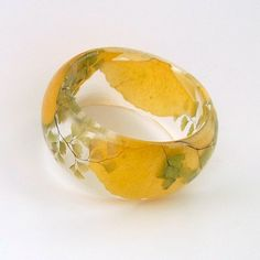 Ginkgo and Fern Botanical Statement Bangle.  Chunky Resin Bangle with Pressed Flowers.  Real Flowers! This is amazing!
