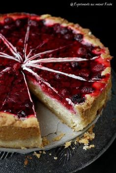 Pudding sour cream cake with raspberries- Pudding-Schmand-Kuchen mit Himbeeren Experiments from my kitchen: Pudding-Schmand-Kuchen … - Mini Desserts, Pudding Desserts, Fall Desserts, German Cake, Sour Cream Cake, Pumpkin Spice Cupcakes, Sweet Cakes, Food Cakes, No Bake Cake