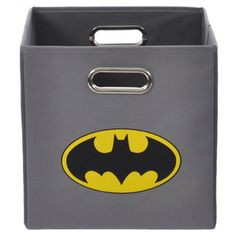 Store your child's toys with style using this Batman Logo storage bin. This lightweight storage bin has a metal framed handle, increasing durability and making it easy to pull off of shelves. This bin