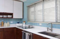 Kitchen Backsplash Photos, Blue Backsplash, Subway Tile Kitchen, Subway Tile Backsplash, Glass Subway Tile, Backsplash Ideas, Grey Kitchens, Cool Kitchens, Kitchen Grey