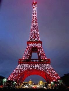 This makes me feel happy christmas time, paris, eiffel tower, cant wait, red, towers, travel, place, bucket lists