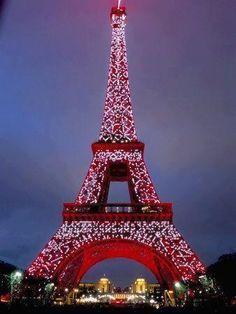 La Tour Eiffel à Noël.