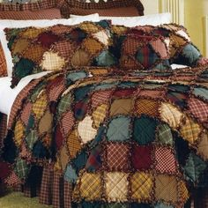 Just an idea to copy / no directions! I love rag quilts! Quilting Tips, Quilting Projects, Quilting Designs, Sewing Projects, Colchas Quilt, Quilt Blocks, Colchas Country, Rag Quilt Patterns, Hat Patterns
