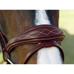 Beautiful padding and stitching on Dyon bridle