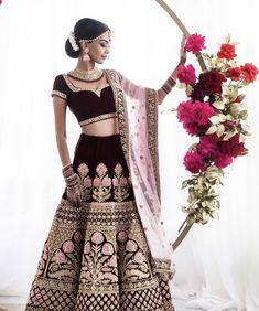 Magnificent blooms in a landscape design - Bilimsi Big Fat Indian Wedding, Indian Bridal, Lehenga Choli, Indian Dresses, Indian Wear, Indian Beauty, Indian Fashion, High Waisted Skirt, Fashion Outfits