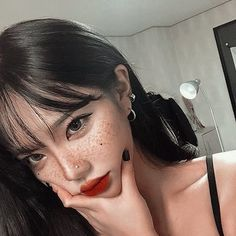 Shared by Ka Na. Find images and videos about girl, aesthetic and korean on We Heart It - the app to get lost in what you love. Uzzlang Girl, Korean Beauty, Asian Beauty, Ulzzang Korean Girl, Korean Makeup Ulzzang, Ulzzang Girl Selca, Ulzzang Hair, Asian Makeup, Pretty Asian