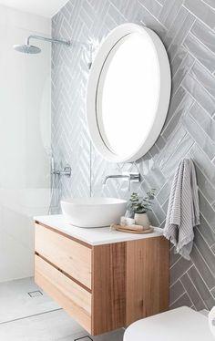 een andere kijk op een visgraat accent muur die in de douche loopt - #accent #andere #de #die #douche #een #kijk #loopt #muur #op #visgraat