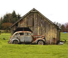 Offroad Treasure - My old classic car collection Antique Trucks, Vintage Trucks, Old Trucks, Antique Cars, Pickup Trucks, Abandoned Buildings, Abandoned Houses, Abandoned Places, Old Houses