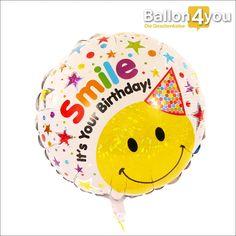 """Smiley Ballon - Smile It´s your Birthday     Überraschen Sie mit einem Lächeln zum Geburtstag! Womit könnte dies besser gelingen, als mit einem lustigen Smiley und der Aufschrift """"Smile – It´s your Birthday!"""". Egal, ob Jung oder Alt – gute Laune ist bei diesem Geschenk garantiert."""