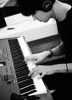 "Exo - Chanyeol ""This guy be always composing Bts Got7, Chanyeol Baekhyun, Park Chanyeol Exo, Exo Kai, Chansoo, Baekyeol, Kpop Exo, Kris Wu, Shinee"