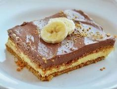 The Country Cook: No-Bake Chunky Monkey Cake Also try adding a layer of bananas between the two layers if pudding. Banana Pudding Poke Cake, Best Banana Pudding, Pudding Cake, No Bake Eclair Cake, No Bake Cake, My Recipes, Cake Recipes, Dessert Recipes, Recipies