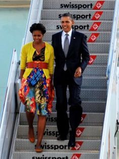 President Obama and first lady Michelle Obama step off Air Force One September 19, 2011 upon arrival at John F Kennedy International Airport in New York City.  (MANDEL NGAN / AFP/Getty Images)