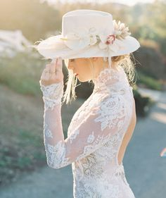 This Nomadic Bridal Inspiration Has all the Year's Top Trends — Plus 2 New Ones! Making A Wedding Dress, Wedding Dress Trends, Boho Wedding Dress, Wedding Dresses, Wedding Hats, Wedding Veils, Edgy Wedding, Golf Wedding, Pallet Wedding