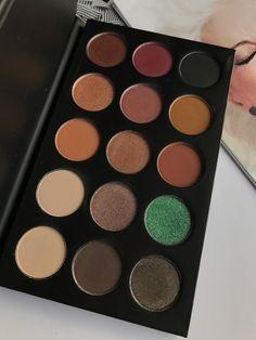 Morphe x Kathleen Lights Eyeshadow Palette Swatches #MorpheBrushes #KathleenLights