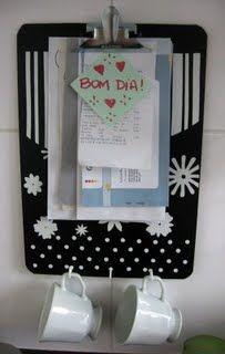 Prancheta para organizar contas e porta chaves ... www.pequenomundomeular.blogspot.com.br
