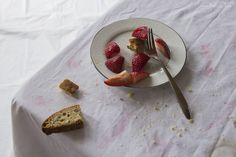 Laura Letinsky | Photos By Melissa Rae Framing Photography, Still Life Photography, Artistic Photography, Food Photography, Still Life Artists, Still Life Photos, I Want To Eat, Contemporary Photography, Everyday Objects