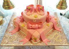 pretty-pink-princess-birthday-party-cake