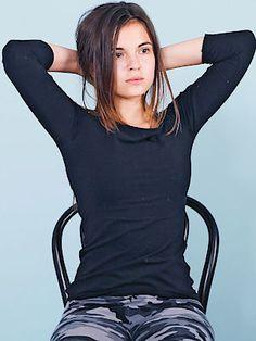 T Shirts For Women, Shoulder, Tops, Sneaker, Fashion, Moda, Slippers, Fashion Styles, Fashion Illustrations
