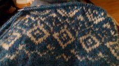 Voici mon premier tricot en jacquard, modèle Garnstudio. Cthéusine aime le DIY - Couture et tricot Pull Jacquard, Diy Couture, Voici, Creations, Blanket, Crochet, Templates, Color, Ganchillo