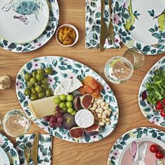 Cath Kidston's new woodland-themed collection is to die for Shabby Chic Interiors, Shabby Chic Homes, Shabby Chic Decor, Vintage Decor, Chic Bathrooms, Cath Kidston, Timeless Design, Dining, Woodland